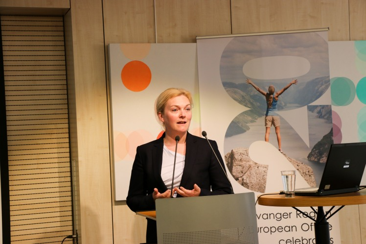 Tone Grindland Gustafsson presenterte Triangulum-prosjektet. Foto: Julie Johnsen, EU-delegasjonen.