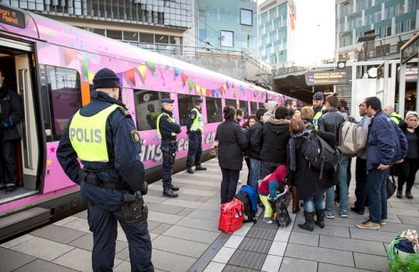 Sverige innførte grensekontroll mot Danmark 11. november. Alle reisende over Øresund må ha med seg gyldige ID-papirer. Foto: News Oresund/Flickr.