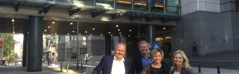 Haugalandet var godt representert på lynkurset i Brussel. Fra venstre: Ordfører i Tysvær, Sigmund Lier, Ordfører i Haugesund, Arne-Christian Mohn, og Annette Sæther og Ragnhild Bjerkvik fra Haugaland Vekst. Foto: Haugaland Vekst.