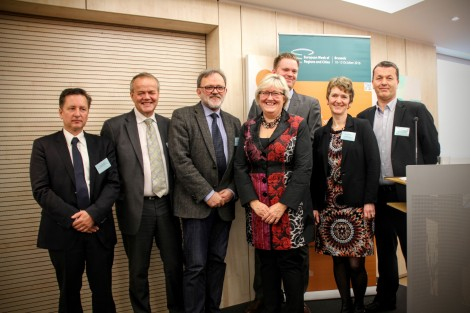 Europaminister Elisabeth Vik Aspaker fotografert sammen med representanter for de norske regionkontorene i Brussel. Foto: Iselin Rønningsbakk, Trøndelags Europakontor.