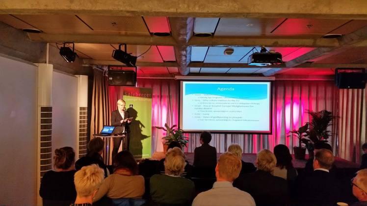 Fylkesordfører Solveig Ege Tengesdal åpnet seminaret om EUs kulturprogram på Sølvberget. Foto: Terje Gravdal.