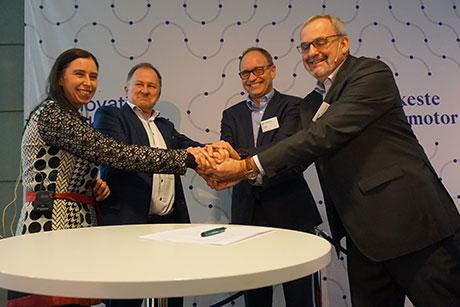 innovativt-partnerskap-signering-460