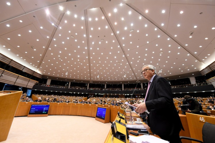 Europakommisjonens president Jean-Claude Juncker skisserte fem scenarier for Europas fremtid under Europaparlamentets plenumssesjon i Brussel. Foto: Europakommisjonen